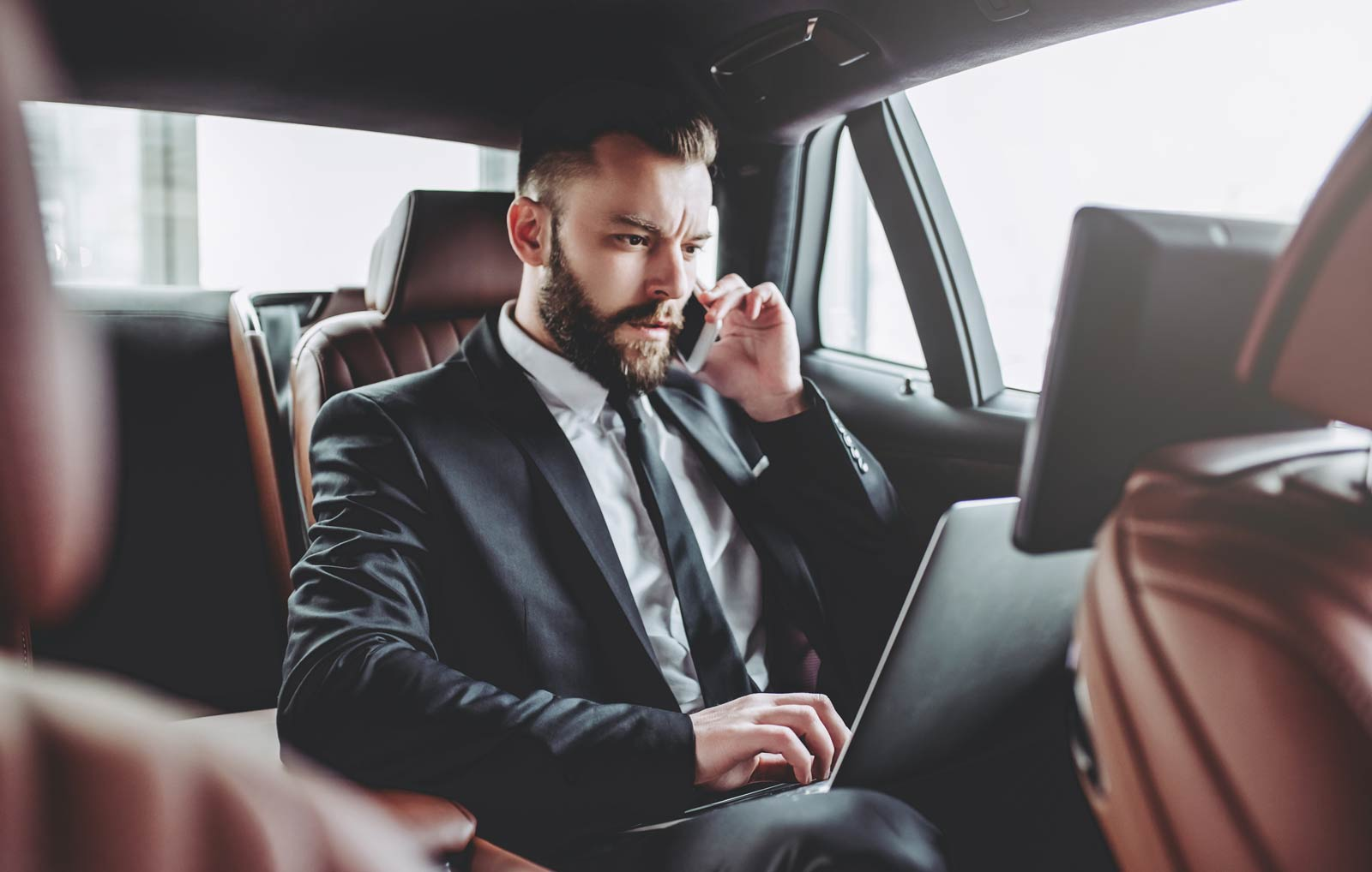 Benefits of Hiring a Corporate Transportation Service